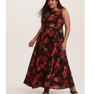 Torrid 12 black red floral maxi dress